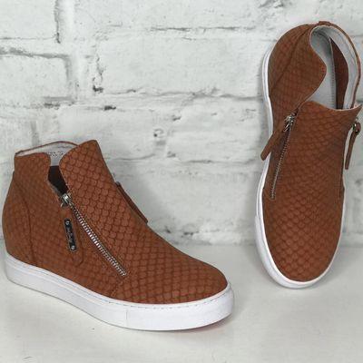 NWT Puma Dare sneakers blush Boutique